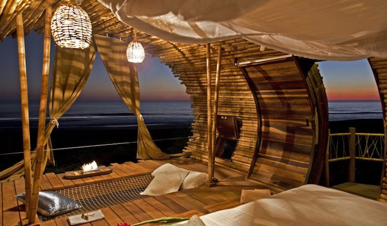 stunning-cylindrical-treehouse-in-mexico-runs-on-solar-power-7