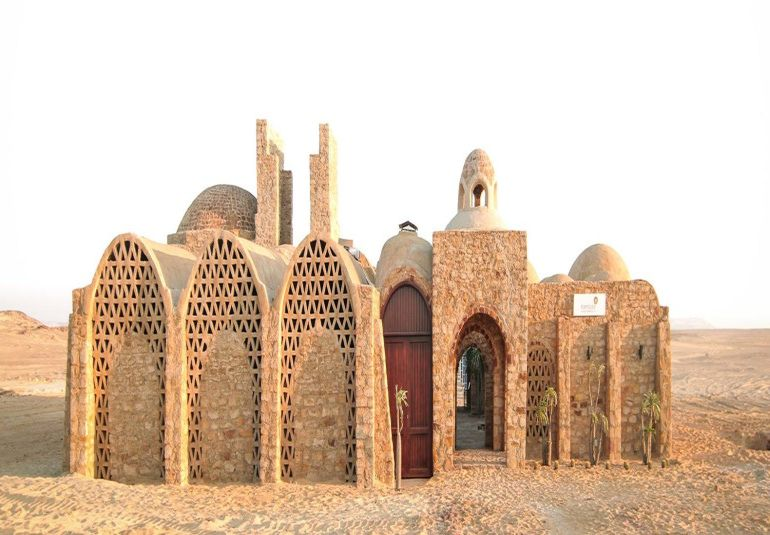 welcome-to-egypts-first-solar-powered-village-located-in-the-desert-1