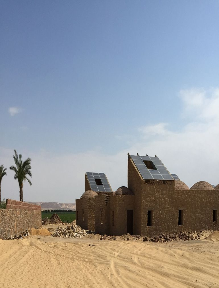 welcome-to-egypts-first-solar-powered-village-located-in-the-desert-2