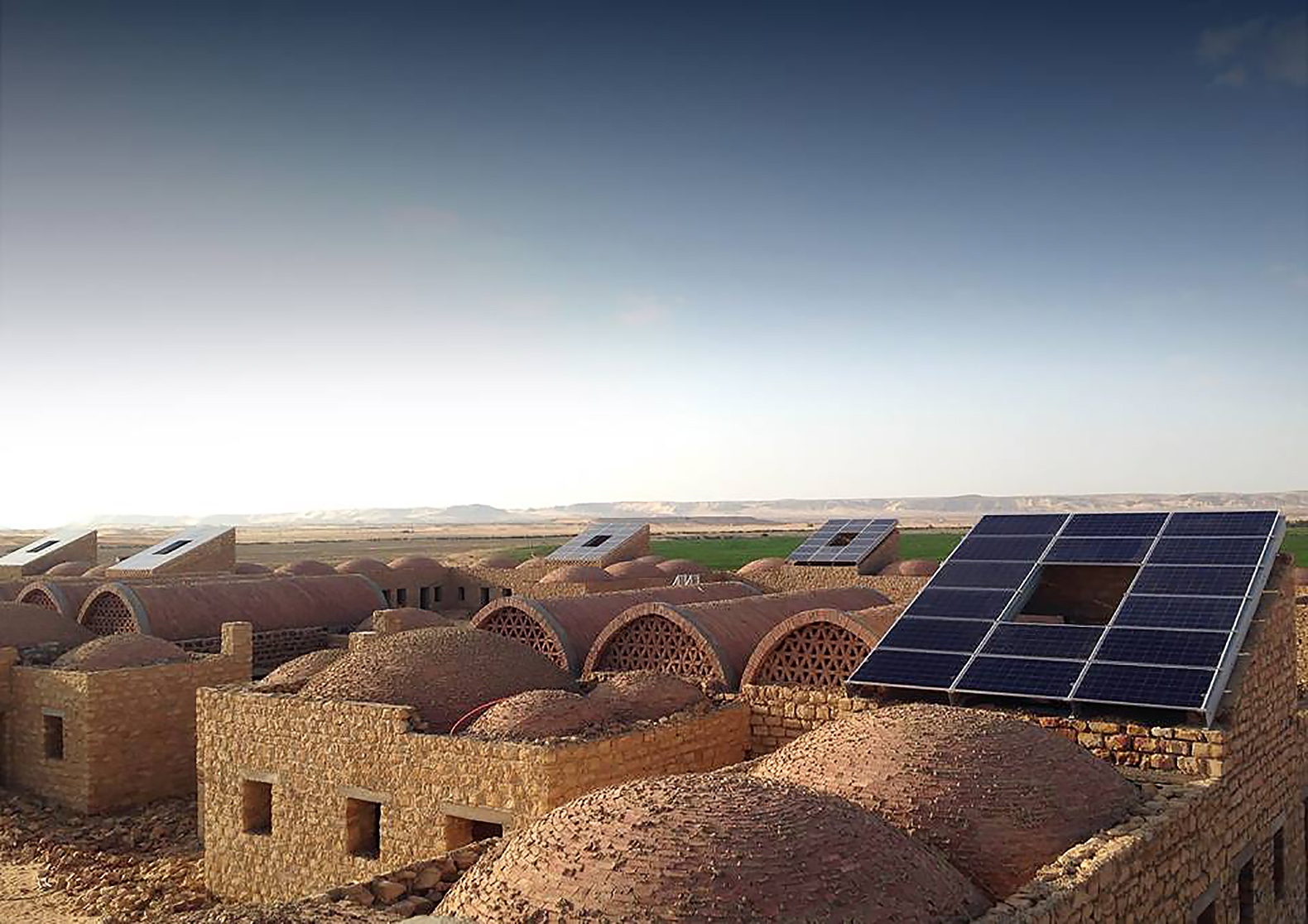 welcome-to-egypts-first-solar-powered-village-located-in-the-desert-5