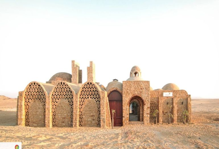 welcome-to-egypts-first-solar-powered-village-located-in-the-desert-6