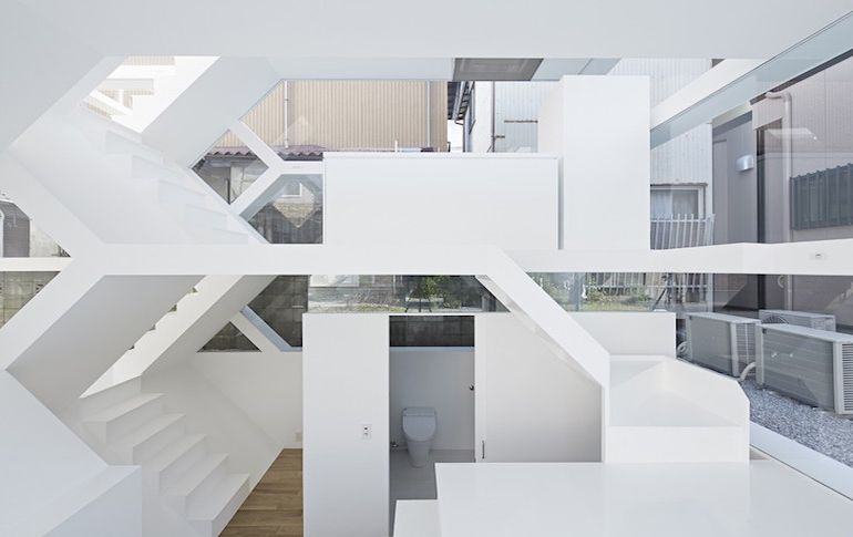 japans-see-through-s-house-is-a-glass-lined-space-with-no-partitions-12
