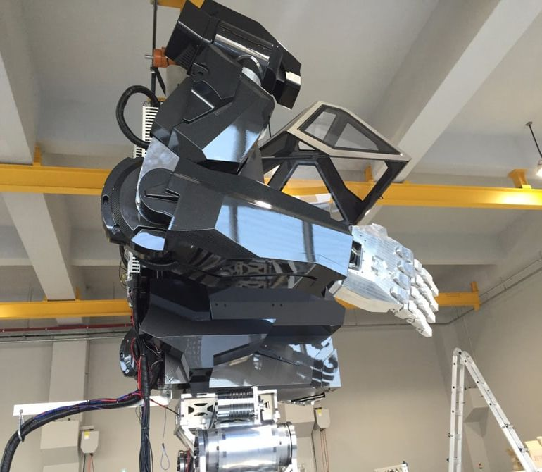 This 13-Foot-Tall Mech-Suit Robot Could Help With Fukushima Cleanup-3