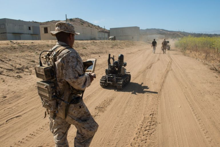 Watch U.S. Marines Training With Unbelievably Futuristic Combat Robots-6