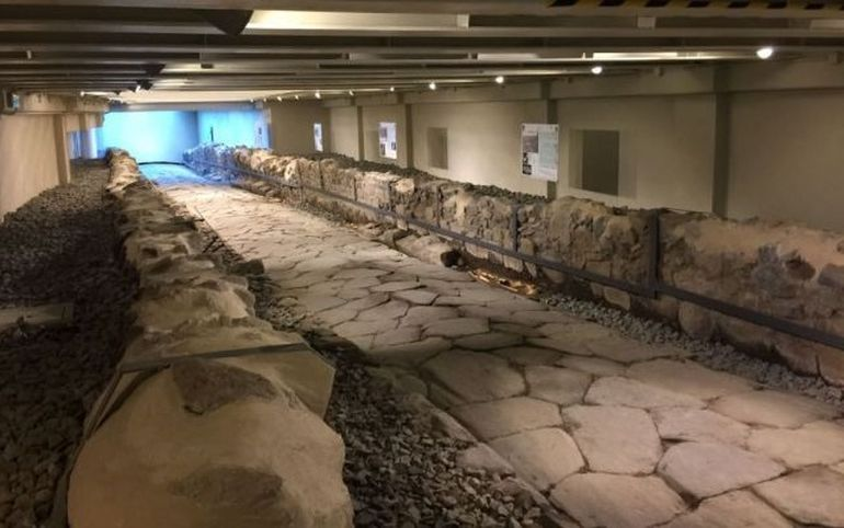 mcdonald-restaurant-ancient-roman-road_4