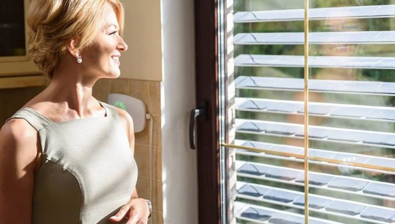 SolarGaps Sun-Tracking Window Blinds That Produce Clean Energy--2