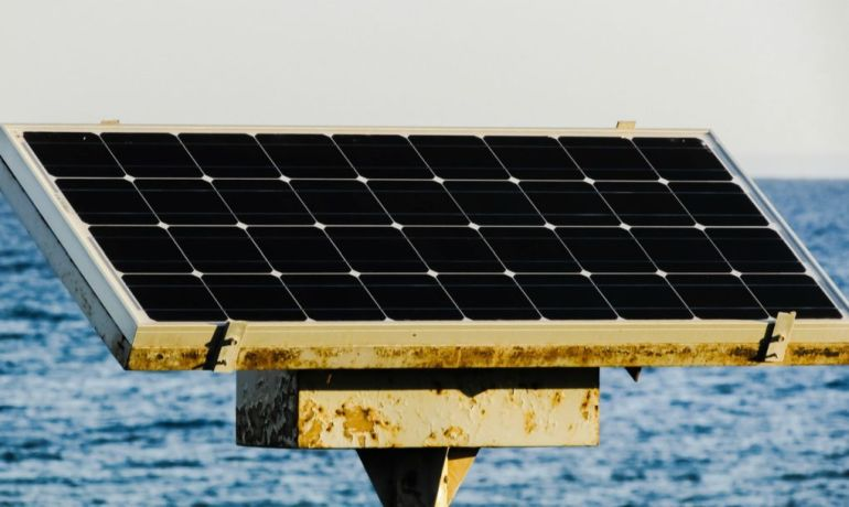 The World's Largest Floating Solar Farm Becomes Operational In China-3