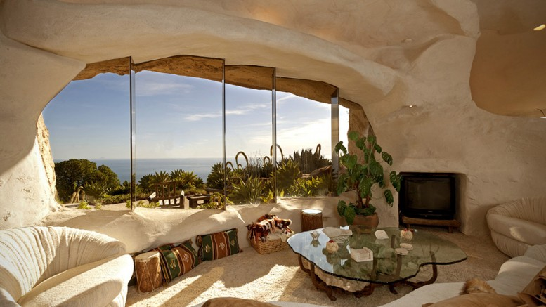 Dick-Clark_Flintstones-house