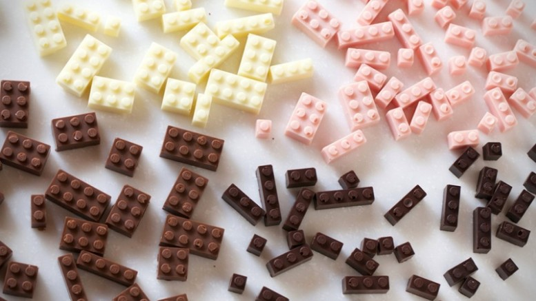 Edible-Chocolate-LEGO-Bricks-1