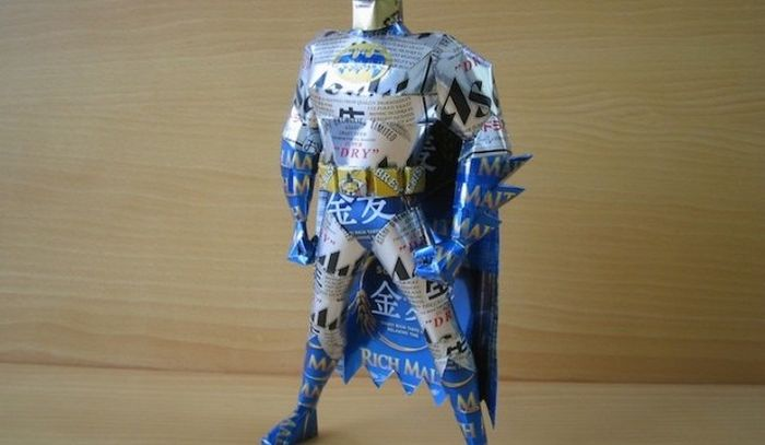 Makaon_superhero_sculpture