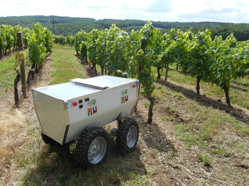 Vinerobot A Solar Powered Robot For Your Vineyard