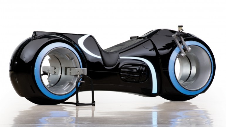 Tron Light Cycle Replica Goes To Auction-1