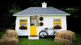 The_Shebeen_Irish_pub_on-wheels
