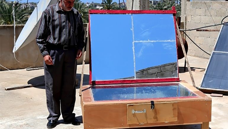 Gaza resident builds solar-powered oven using recycled materials-2