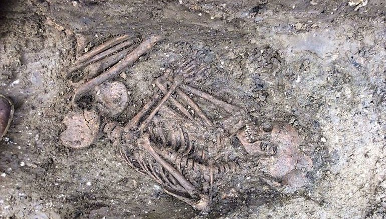 4000-year-old Skeleton Of Teenager Found Near Stonehenge-1