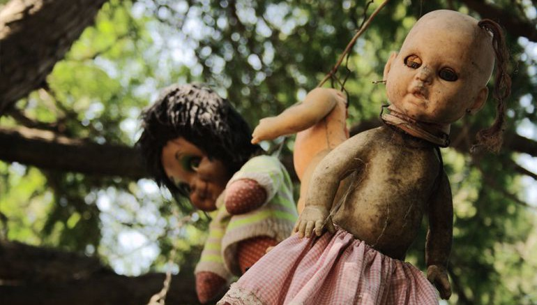 Mexico's Island Of The Dolls Is Home To 1500 Mutilated Dolls-2