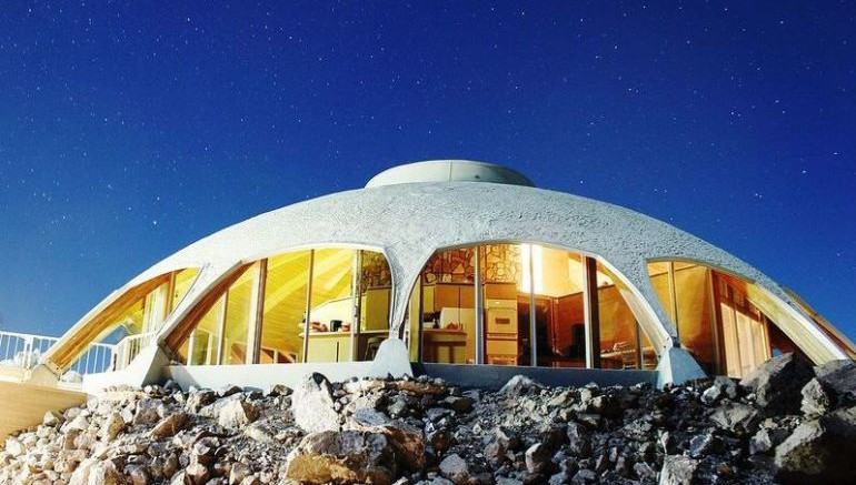California's Volcano House Looks Eerily Similar To A UFO-7