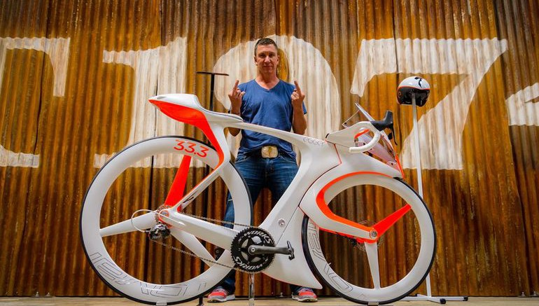 fUCI-A-Smart-Bike-By-Specialized-That-Breaks-All-UCI-Rules-1-770x437