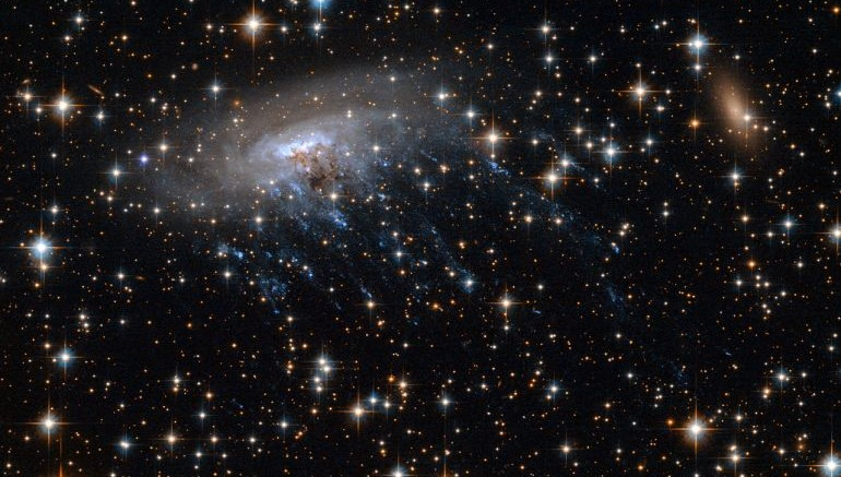 NASA Calculates Weight Of Ginormous Young Galaxy Cluster-2