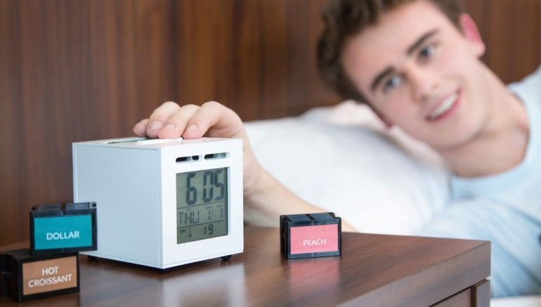 This Ingenious Alarm Clock Wakes You Up With Your Favorite Aromas-6