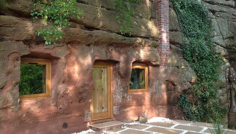 UK's Rockhouse Retreat Is Housed Inside A 700-Year-Old Cave-1