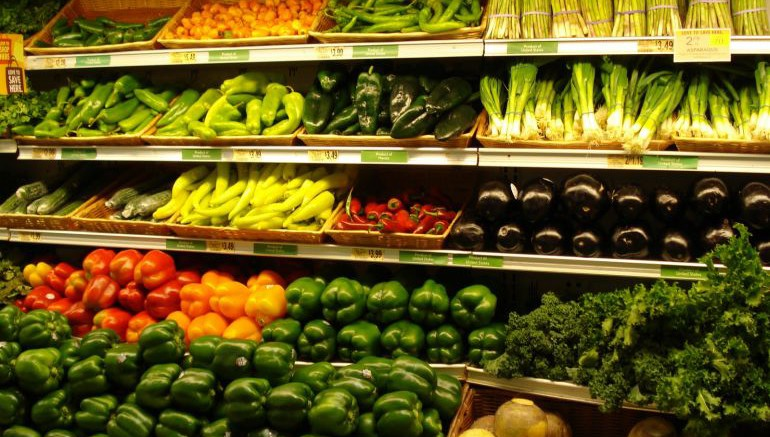 France Passes Law That Bans Supermarkets From Trashing Unsold Food-2