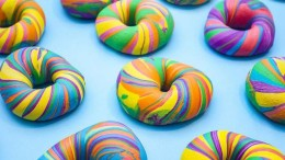 These Delicious Rainbow-Colored Bagels Will Definitely Make Your Day-2