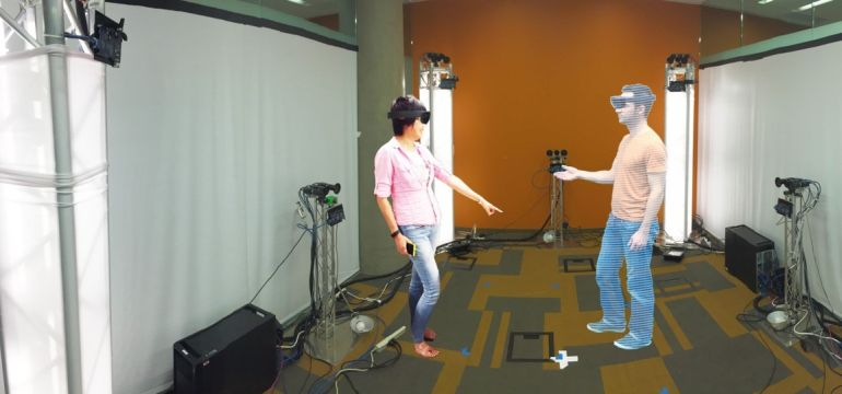 Microsoft's Holoportation Allows Real-Time Interaction in VR-1