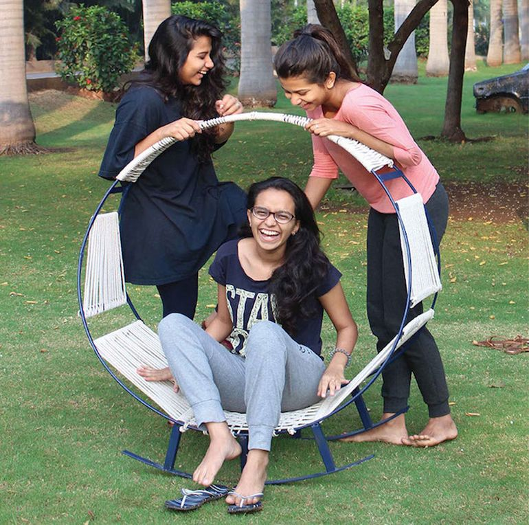 Student Designers Create Ingenious Hammock-Rocking Chair Hybrid-3