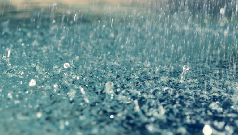 Graphene-Fitted Solar Panels Could Harvest Energy From Raindrops-2