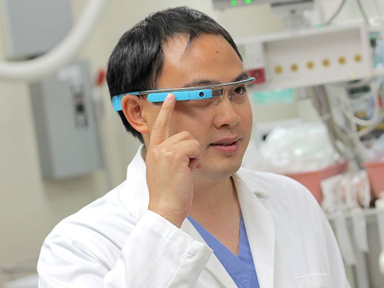 UMMS Doctors Gearing Up To Revive Google Glass For Use In The ER-1