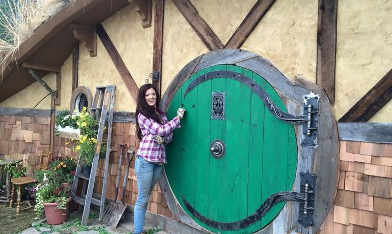 Washington's Hobbit Hole Boasts Innovative Off-Grid design-2
