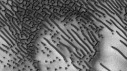 Martian Sand Dunes Carry Bizarre Morse Code Message-1