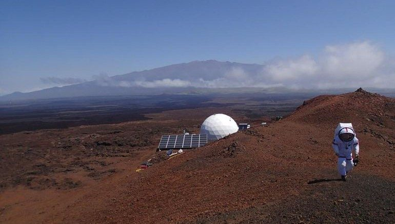 Simulated Mars Mission Crew Emerges After A Year Of Isolation-2