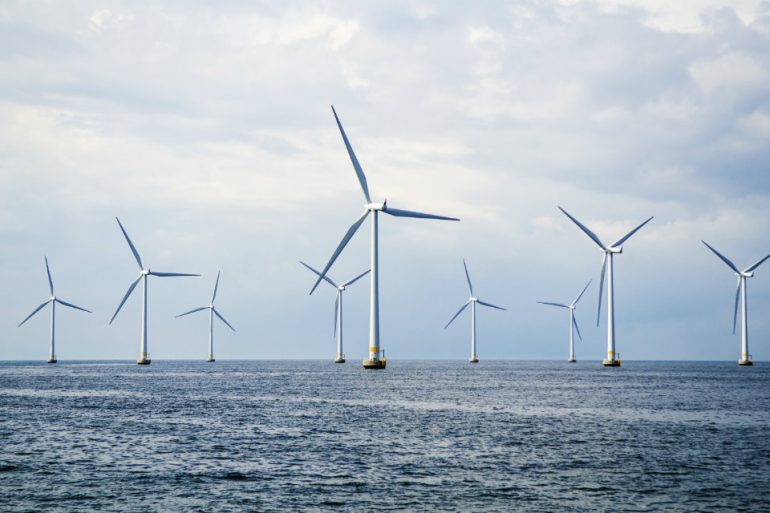 england-world's-largest-offshore-wind-farm-1
