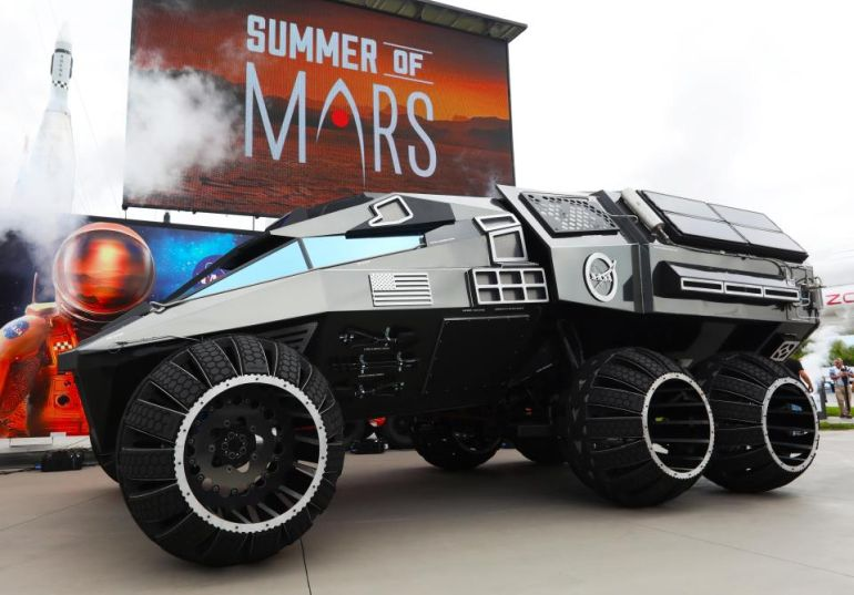 This Batmobile-esque Behemoth Is NASA's Latest Mars Rover Concept-1