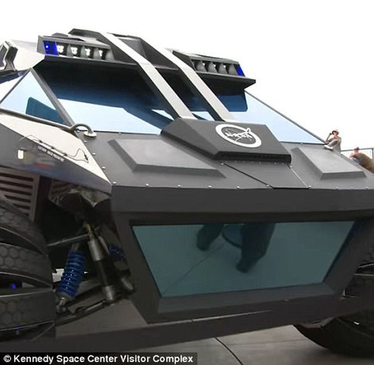 This Batmobile-esque Behemoth Is NASA's Latest Mars Rover Concept-4